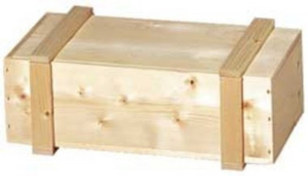 Holzkiste mit Leisten